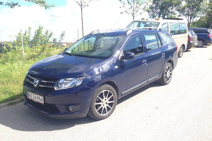 Billig billeje af Dacia Logan med GPS nær 9400 Nørresundby.
