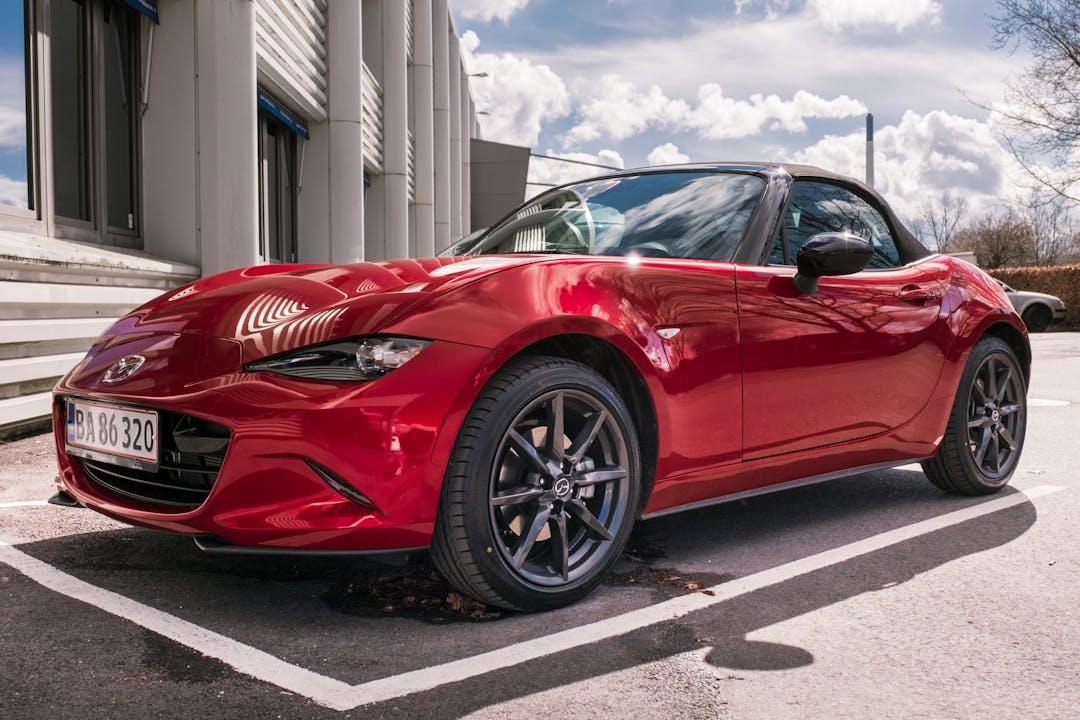 Billig billeje af Mazda MX-5 Cabriolet 160HK med GPS nær 3480 Fredensborg.